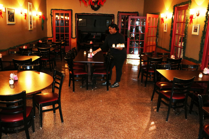 Epoxy flooring chicago il colored concrete paint floors for Commercial bar flooring